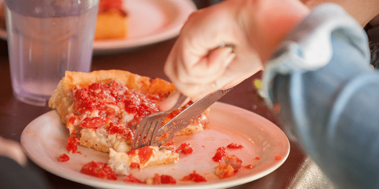 Deep Dish Pizza on a Chicago Food Tour