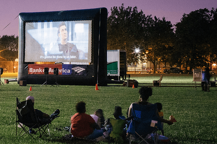 chicago date night movies in the park