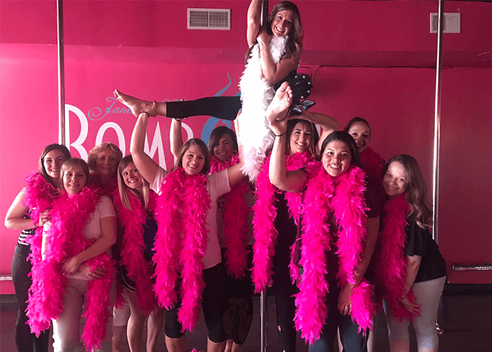bachelorette party ideas chicago pole dancing